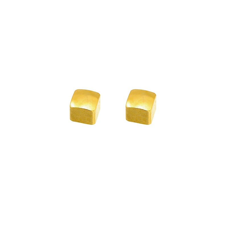 Caflon Blu square shaped piercing studs in steel gilded with fine gold