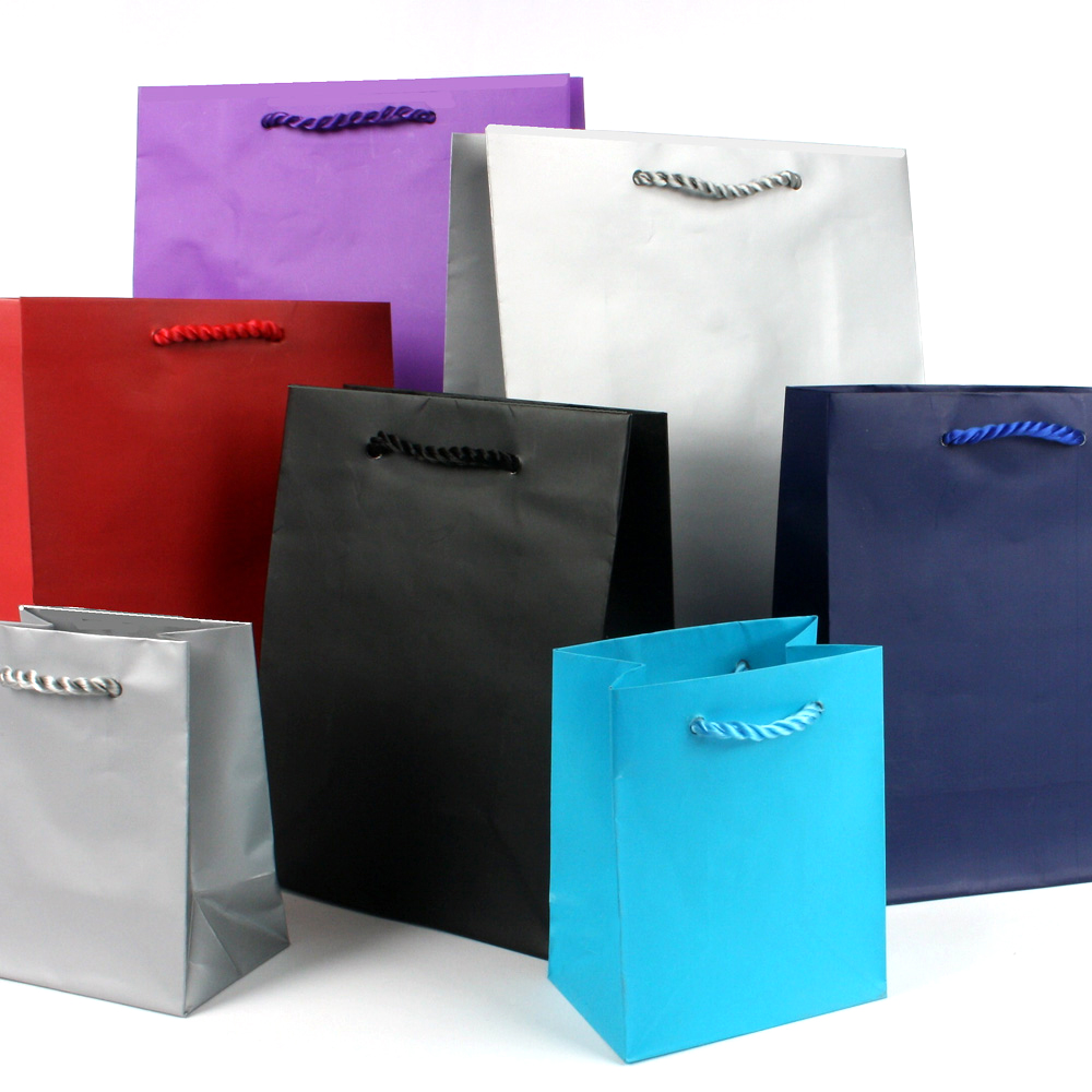 Matt paper carrier bags