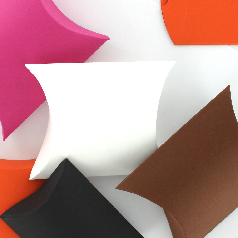 Matt plain-coloured card pillow box